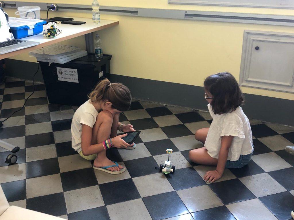 Wylab, i bambini vanno a scuola… di robot