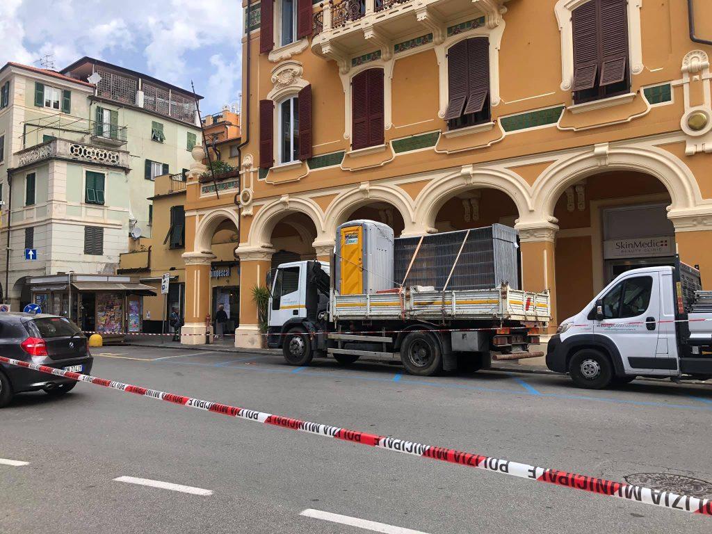 """Piazza Roma, i commercianti protestano. Segalerba: """"Ecco il perché dei lavori"""""""