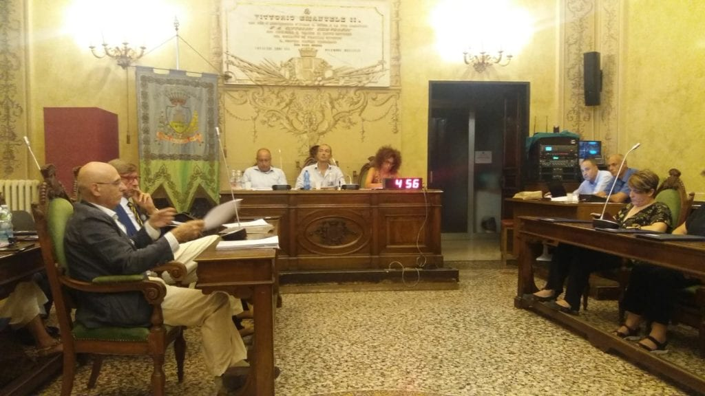 A Chiavari la crisi è servita: lo scontro tra Di Capua e Giardini