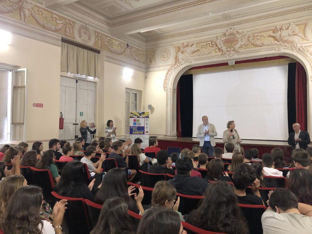 Chiavari: Di Capua porta i saluti del Comune nelle scuole